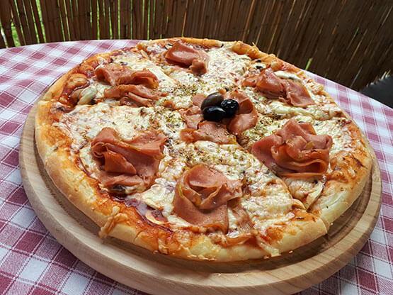 Pizza sa mortadelom